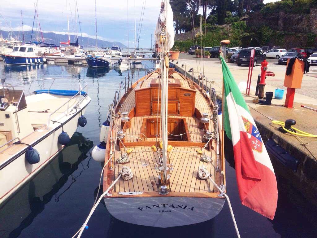 lavaggio e pulizia barche a vela 5 Terre - La Spezia Yachting Service