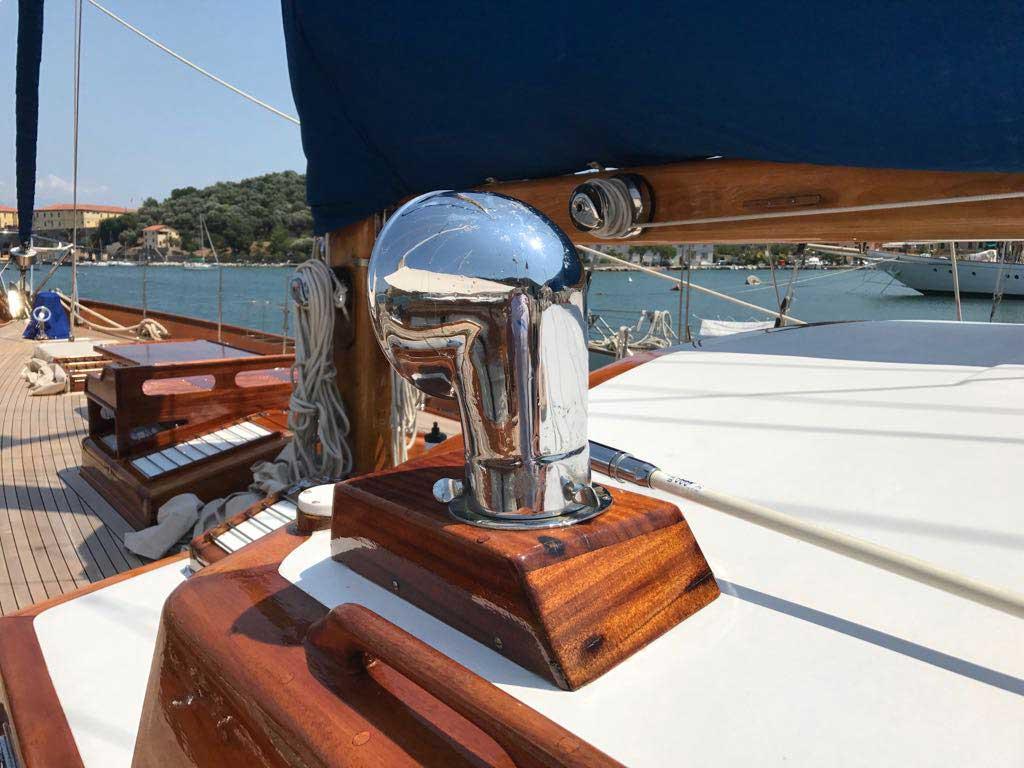 pulizie e lavaggi barche - La Spezia Yachting Service