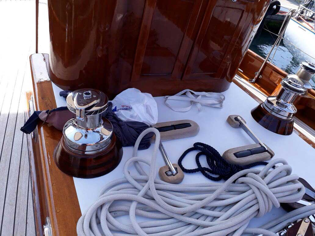 washing and cleaning dinghies La Spezia - La Spezia Yachting Service